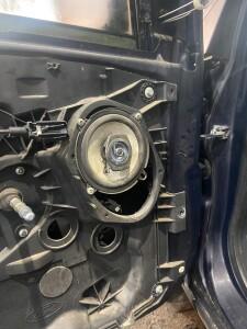 Ford Fiesta установка музыки 4
