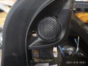 Ford Focus установка динамиков 2
