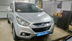 Hyundai IX35 замена камеры заднего вида 1