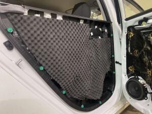 Hyundai Solaris шумоизоляция дверей 5