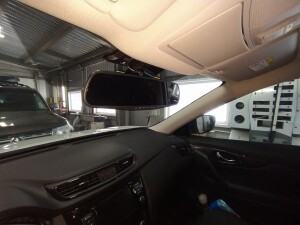 Nissan x-trail установка видео регистратора 2