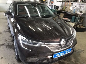Renault arkana установка видеорегистратора 1
