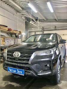 Toyota Fortuner устанока блока согласования 1