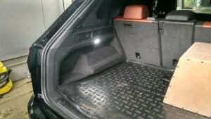 Volkswagen Touareg изготовление копруса сабвуфера 2