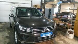 Volkswagen Touareg установка магнитолы 1